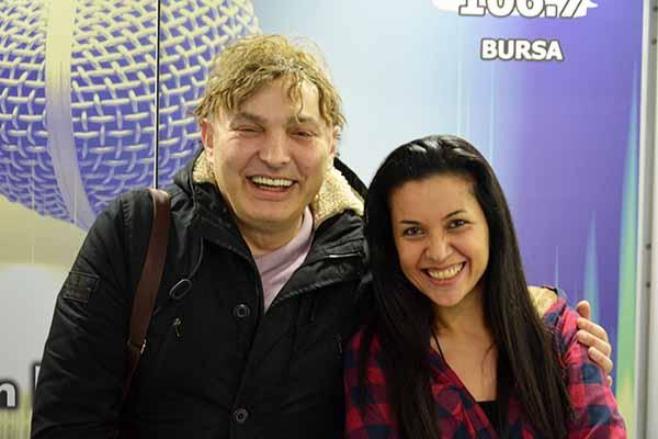 Doktor & Şarkıcı Asil Mucize: Hayatlara Dokunabilmek Güzel